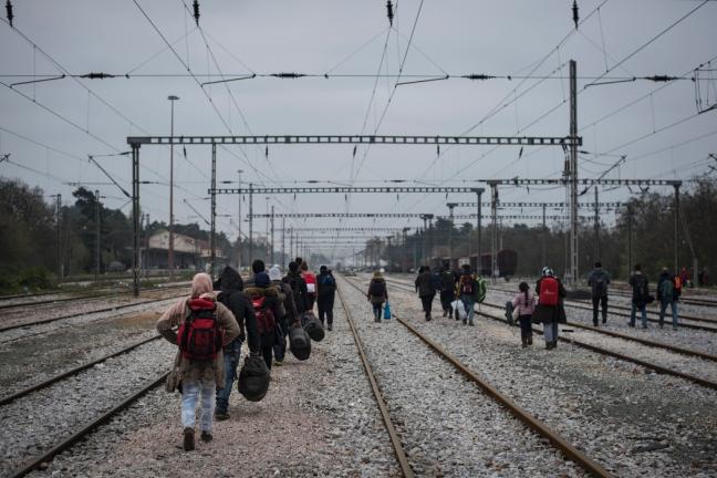 Il dopo Idomeni: i nuovi campi Ue per i migranti sono peggio di prima